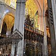 中央礼拝堂 世界最大の木製黄金色の祭壇