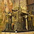 4国の王が担ぐコロンブスの棺