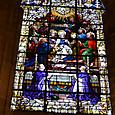 聖母マリアのステンドグラス