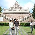水の宮殿(タマン・サリ)の入口記念写真